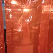 30cm宽厂房专用红色防电焊渣弧光软玻璃空调门帘